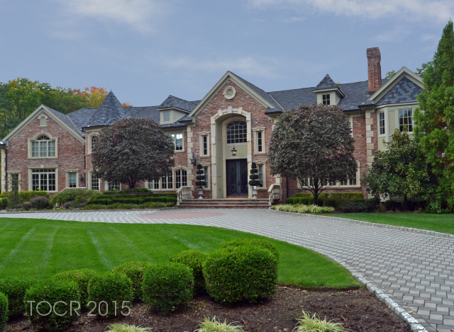 8 Oak Road, Saddle River